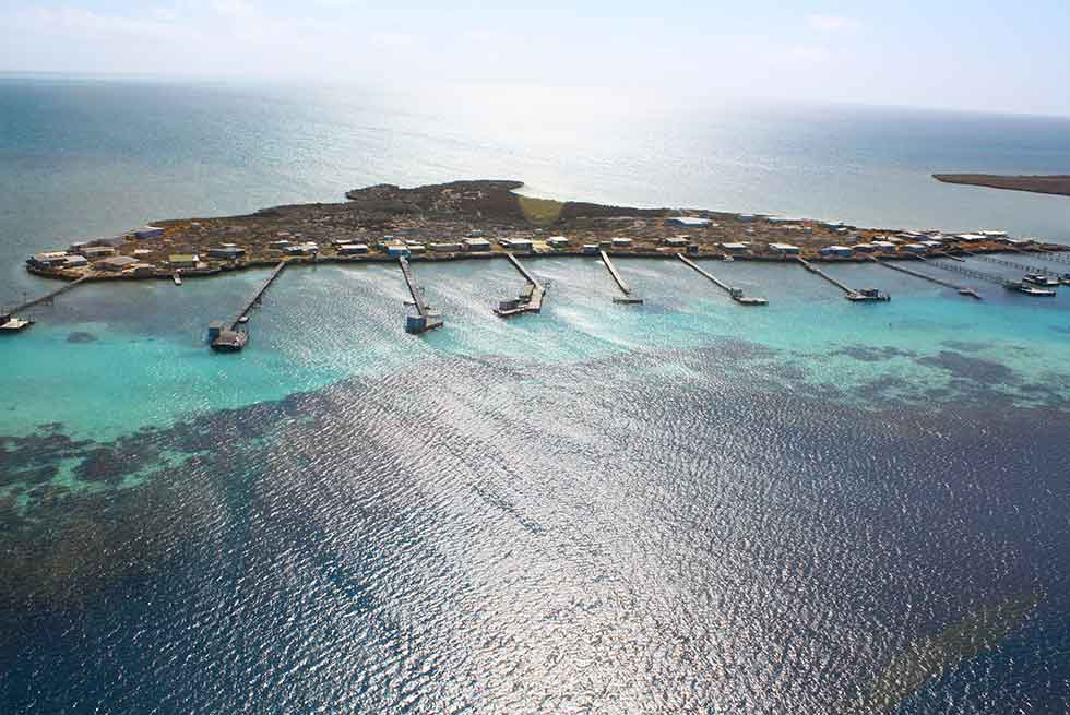 abrolhos islands discovery tours