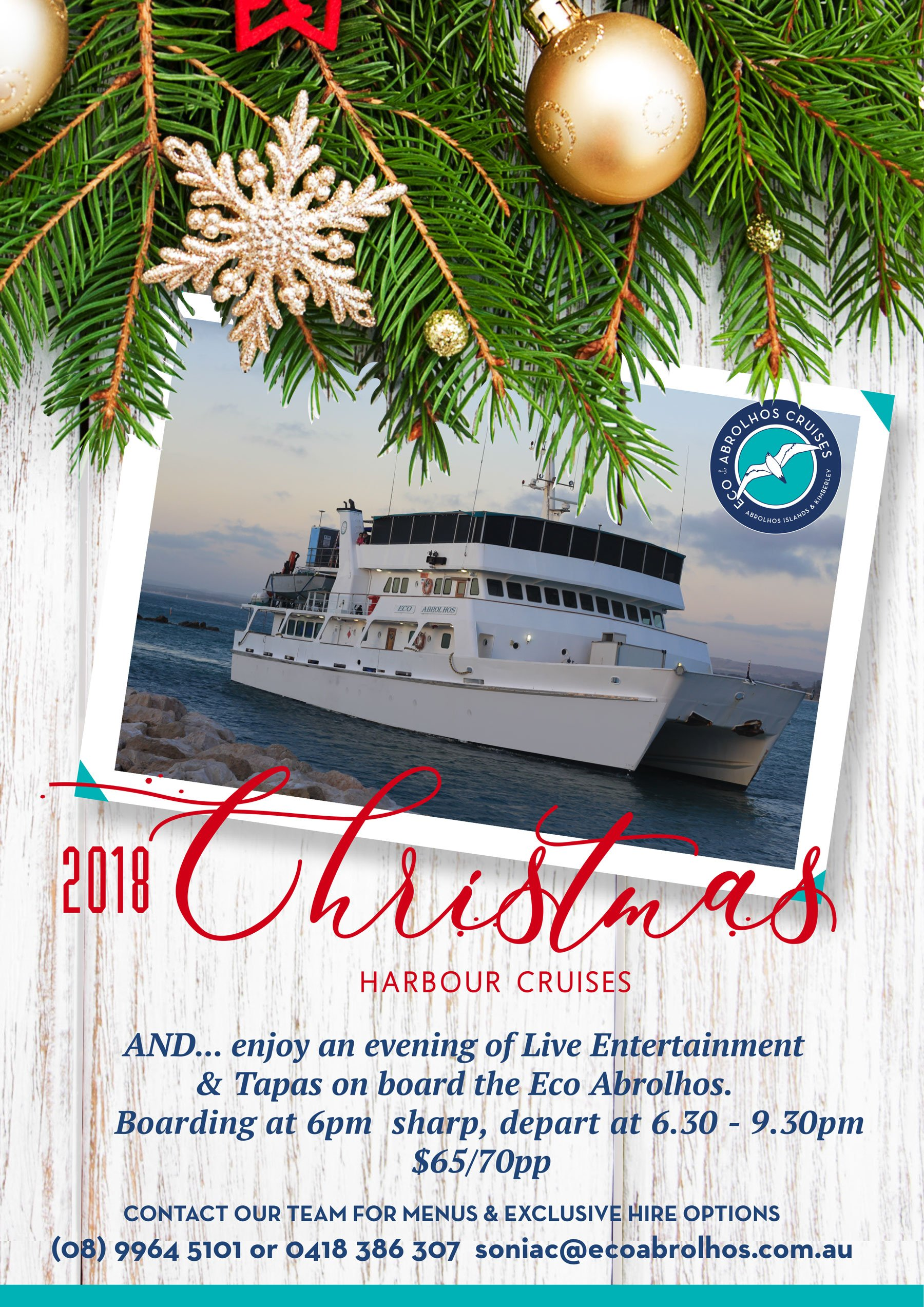 2018 christmas harbour cruises christmas fir tree with decoration on a wooden board - When Do Cruise Ships Decorated For Christmas